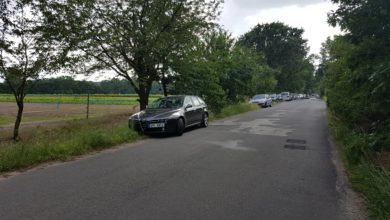 Photo of Zablokování silnice do Mlékojed parkujícími vozy rekreantů ani letos nikdo neřeší