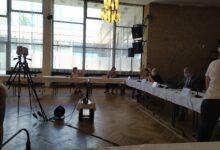 Photo of Dnešní zasedání zastupitelstva skončilo po 10 minutách. Návrh zařadit odvolání místostarostů neprošel.